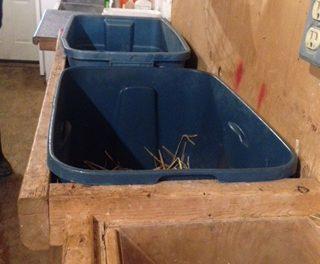 Lamb feeding box